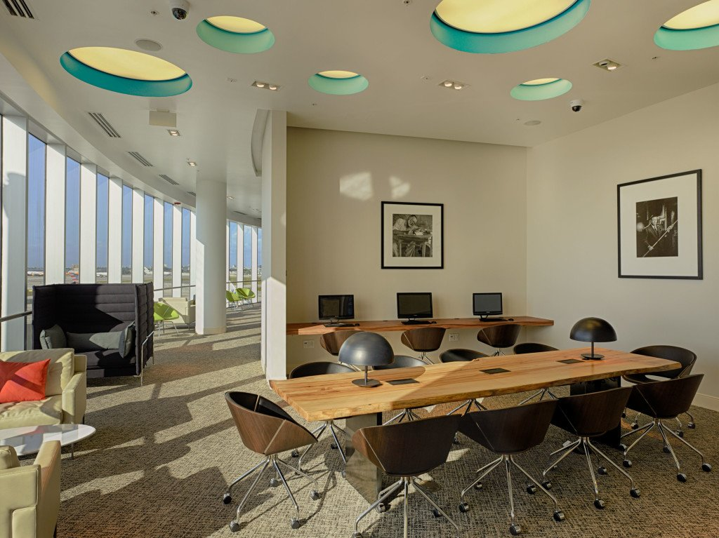 The Centurion Lounge MIA_Work Spaces